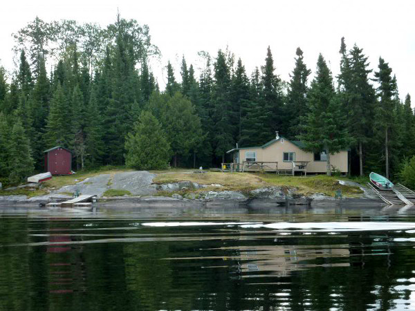 Air-Dale Fishing & Hunting Outpost on Apisabigo Lake