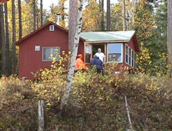 Air-Dale Fishing & Hunting Outpost on Ermine Lake