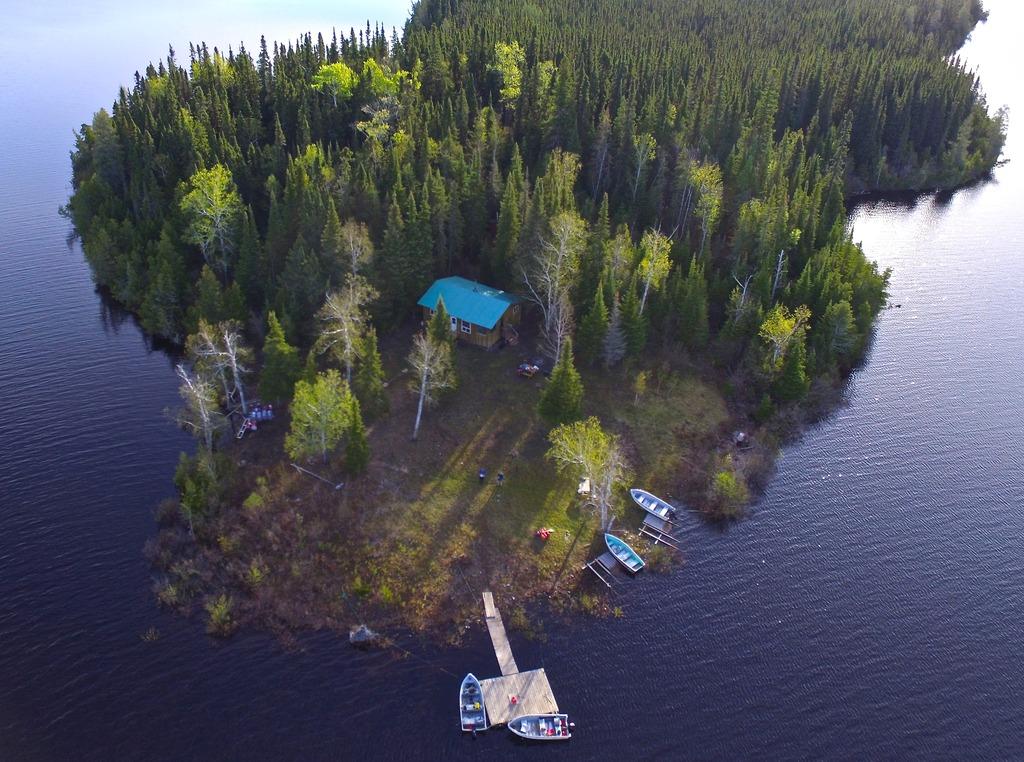 Hearst Air Outpost on Napken Lake