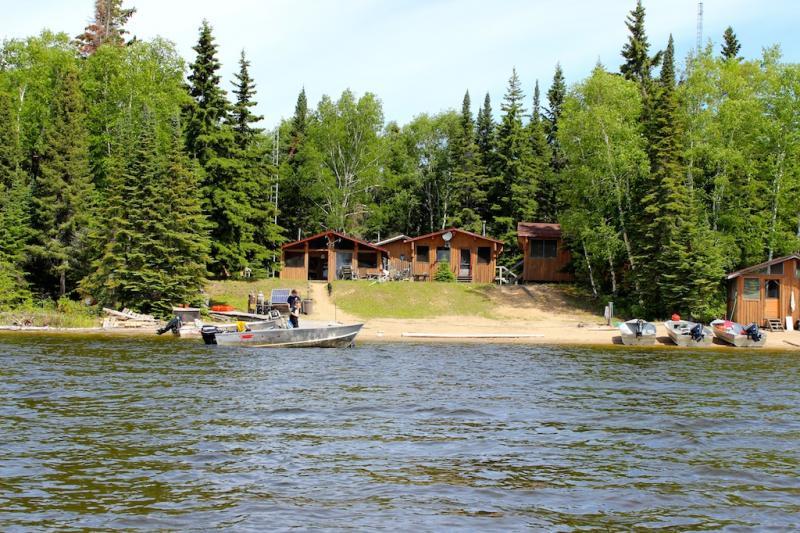 North Caribou Camps Mini-Lodge on North Caribou Lake