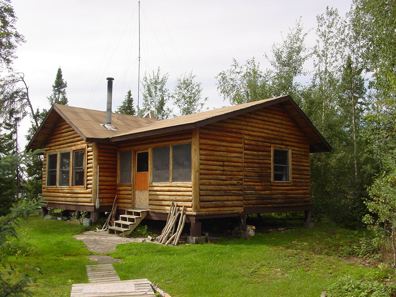 Amik Outposts Black Birch Lake Outpost