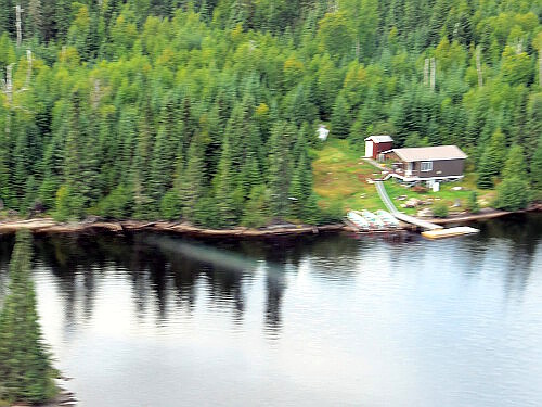 Clark's Resorts & Outposts Antenna Lake Outpost