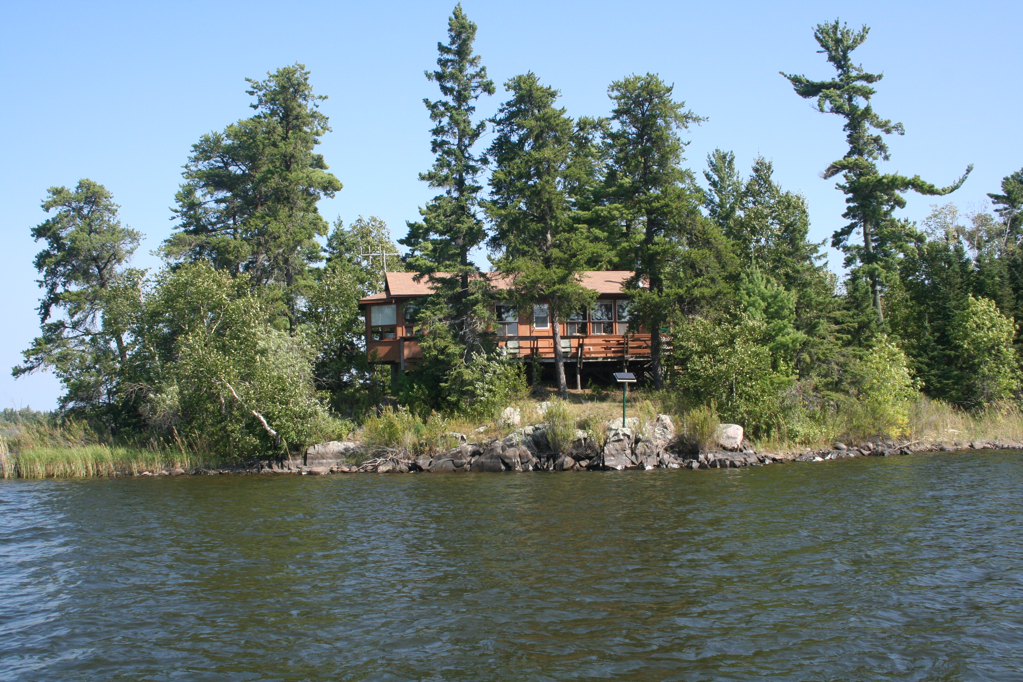 Crow Rock Cloverleaf  Lake of the Woods Outpost