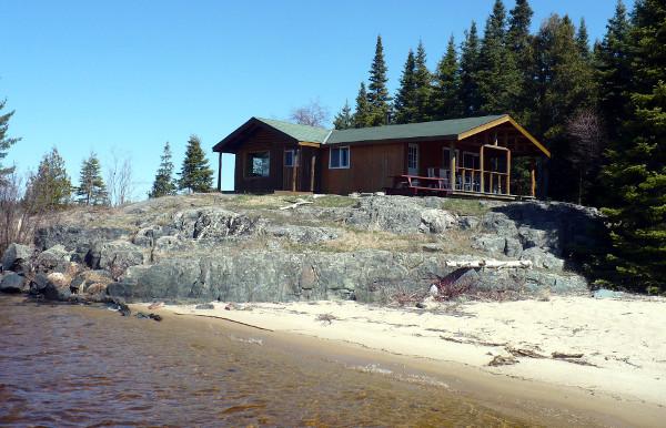 Hawk Air Easey Lake Outpost