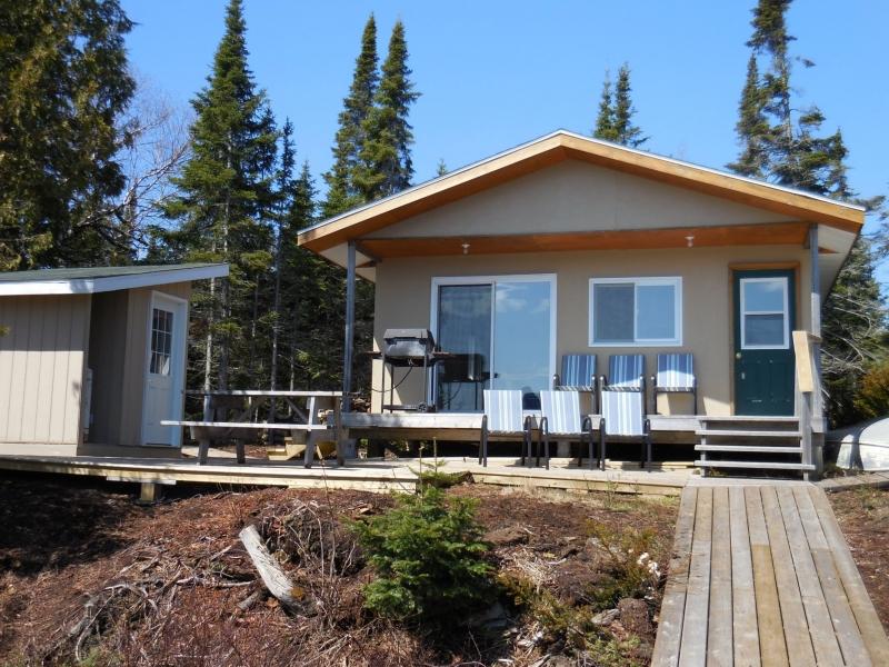 Hawk Air Michi Lake Outpost