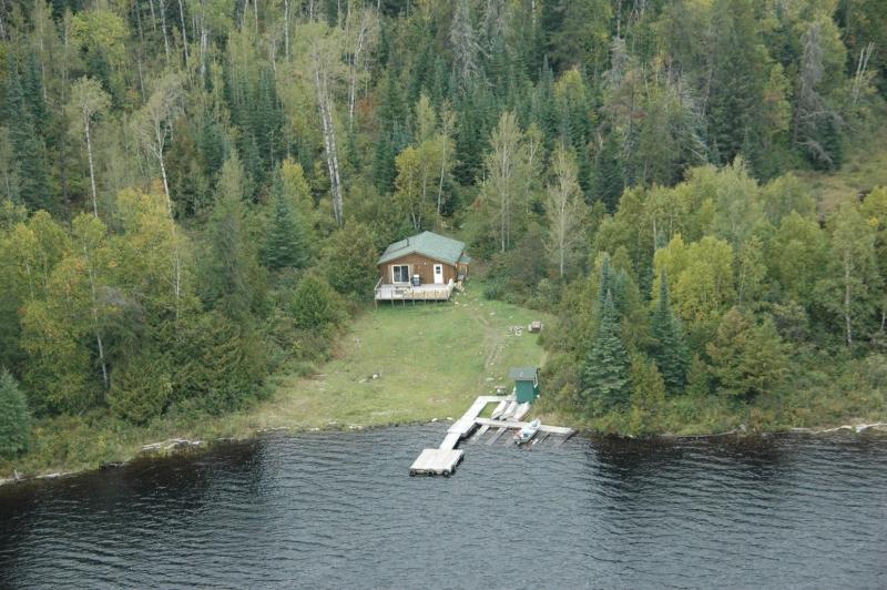 Hawk Air Wejinabikun Lake Outpost