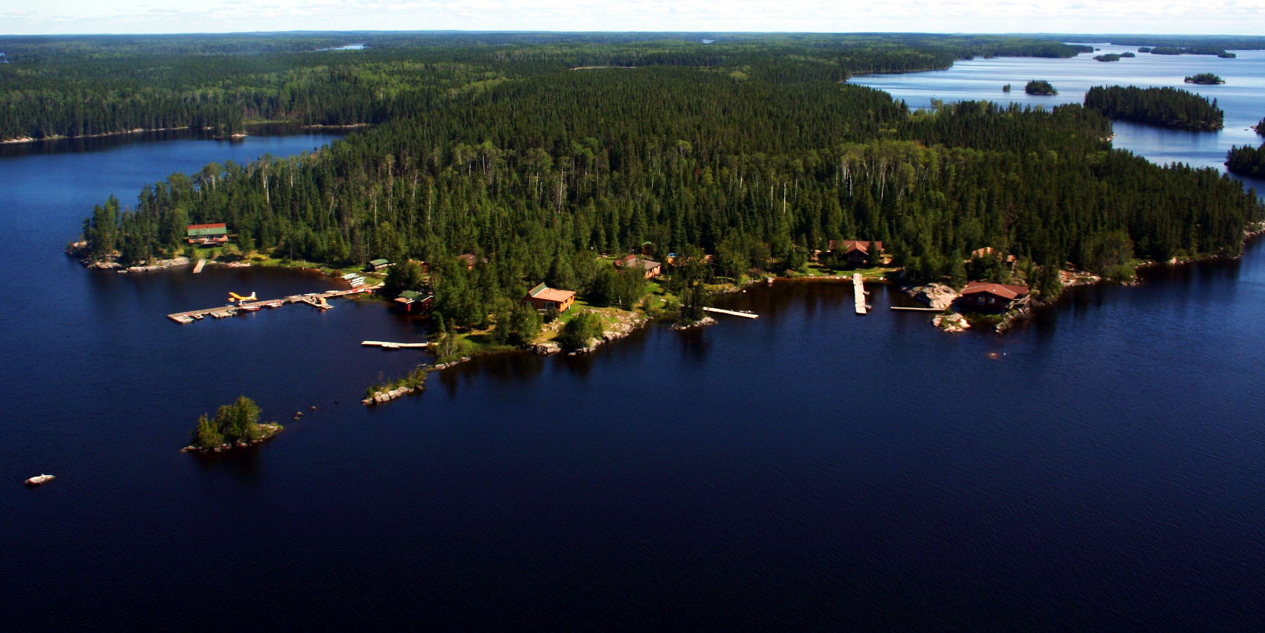 Knobby's Fly-In Lodge on Bamaji Lake
