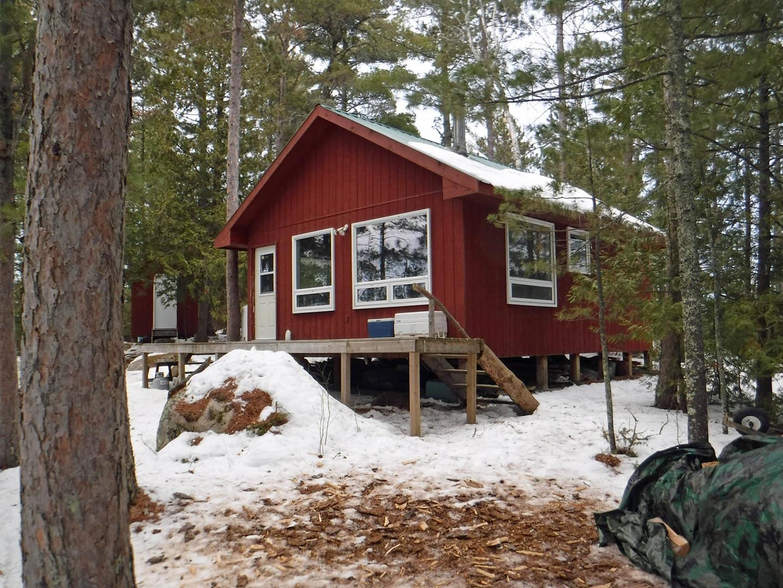 Alexander's on Rowan Lake Sullivan Bay Outpost